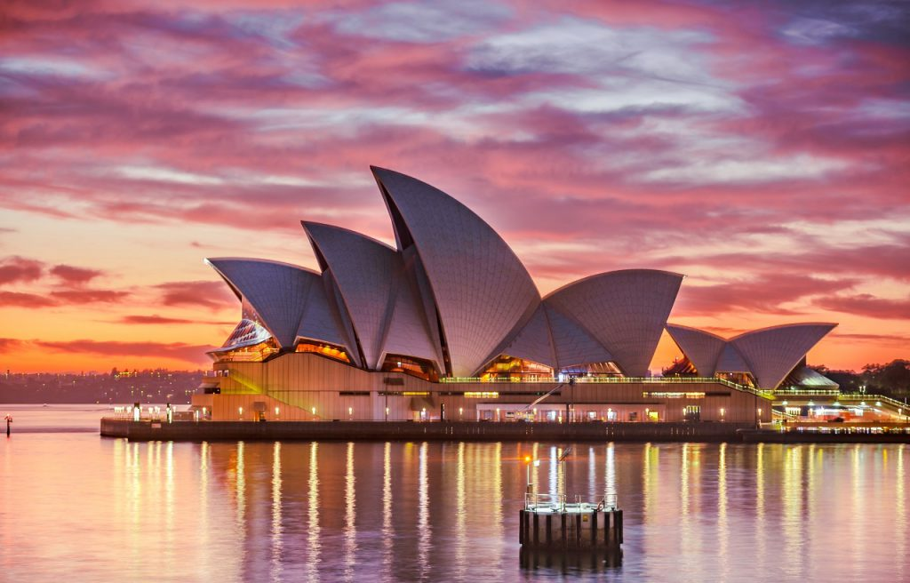 A Guide to Australian English with the Sydney Opera House