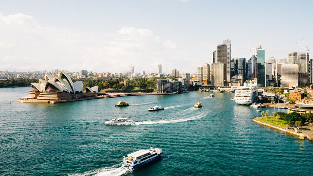 A Guide to Australian English featuring sydney