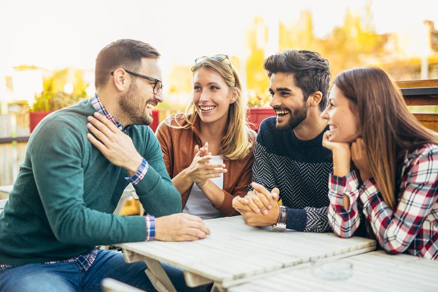 friends-talking-english