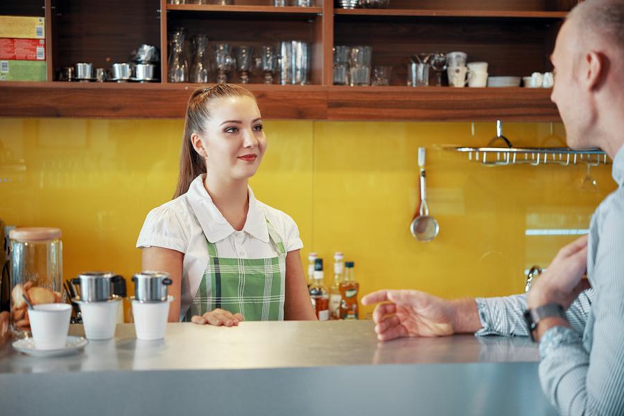 travelling-phrases-restaurant