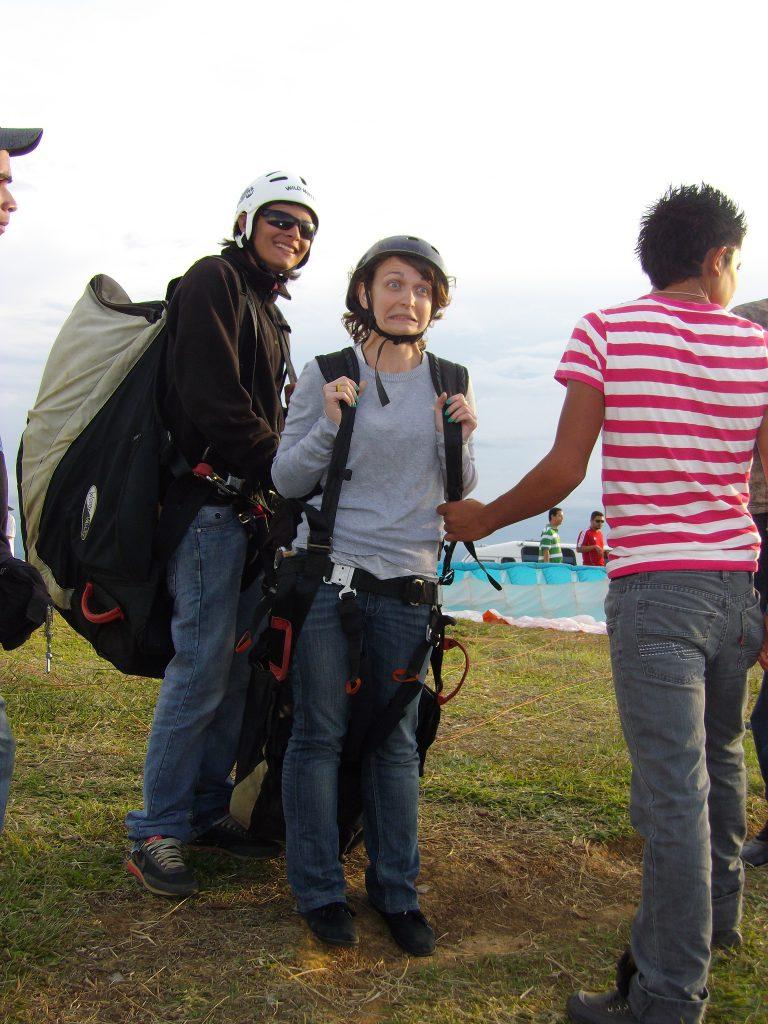 laura-paragliding