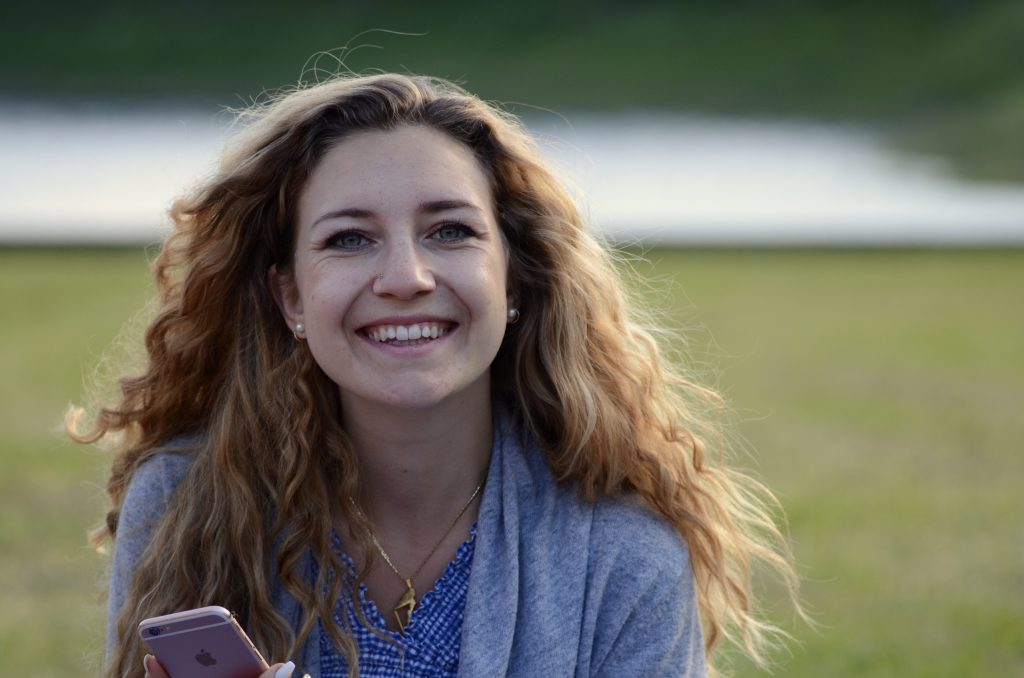 Portrait photo of Aelia who is a Lingoda German teacher
